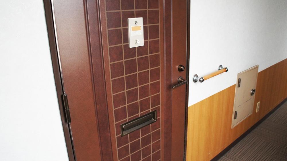 カギ付きドア